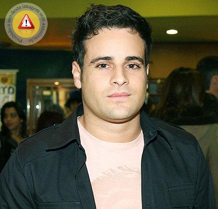 Vesgo O Rodrigo Scarpa