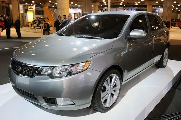 Lançamento Do Novo Carro Kia Cerato Hatch 2011