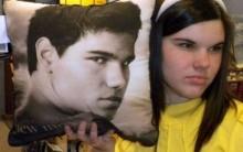 Versão Feminina De Taylor Lautner