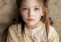 Mackenzie Foy – Filha De Eduard E Bella Em Amanhecer