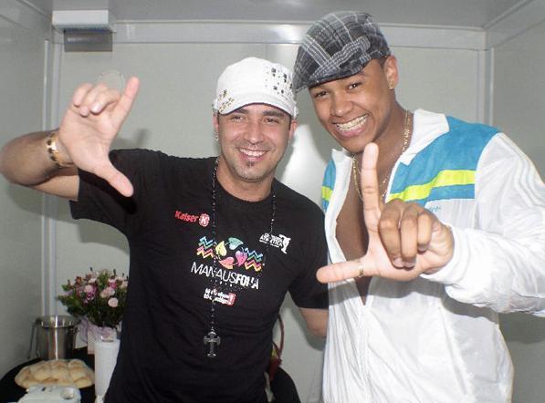Léo Santana e Latino Gravam Mùsica Juntos Para 2011