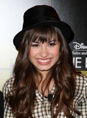 Demi Lovato Fará Turnê em 2011