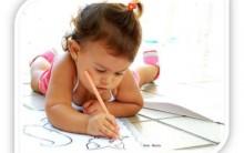 Crianças que Expressam Sentimentos em Linhas de Desenhos