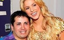 Shakira canta com Shakiro