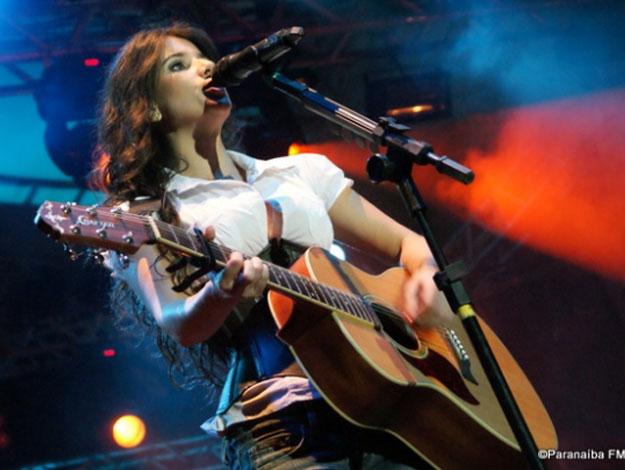 Cantora Paula Fernandes – Agenda de Shows 2012, Twitter, Site Oficial