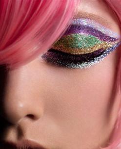 Maquiagem com Brilho Para o Carnaval – vídeo, passo a passo