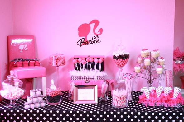 Decoração de Festa Infantil Barbie – Fotos Moda e Magia, Castelo do Diamante e Segredo das Fadas