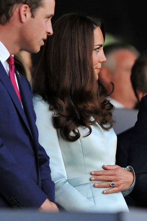 Gravidez de Kate Middleton – Familia Real Anuncia a Gravidez da Duquesa Esposa do Principe William – Fotos