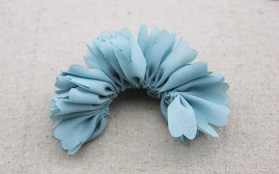 como-fazer-flor-de-tecido-3