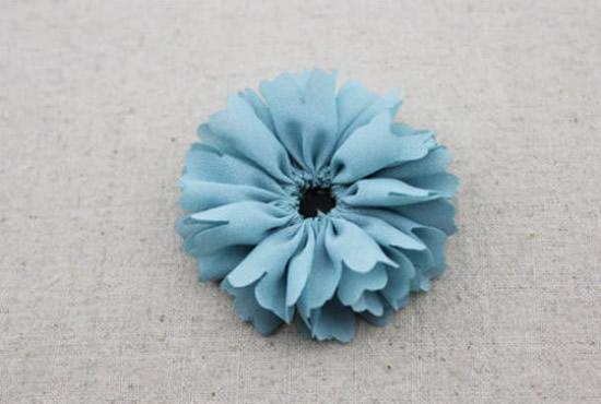 como-fazer-flor-de-tecido-5