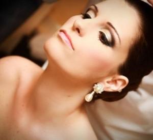 O-ideal-é-não-exagerar-na-maquiagem-para-não-descaracterizar-a-noiva.