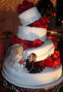 bolo-de-casamento-vermelho-e-branco