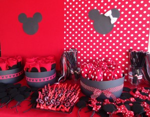 Minnie-Mouse-Favor-Table