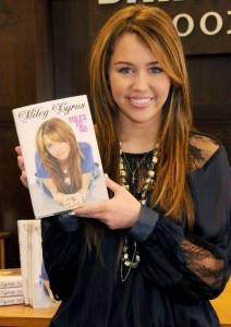 Sucessos de Miley Cyrus – Sua Carreira, Informações, Criticas (6)