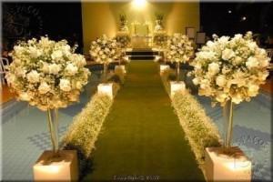 ideias-religioso-igreja-ambientes-flores-arranjos-folhas-designer-Cores-para-Decoração-de-Casamento-em-2012-moderno-luzes-dourado