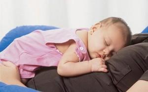 bebe e colica