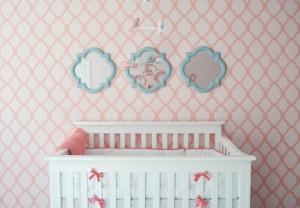 decoracao quarto bebe papel  parede rosa