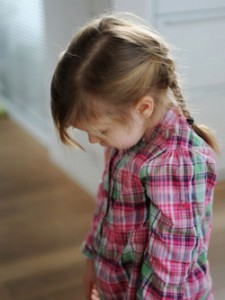 criança timida