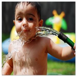 hidratação-criança-verão_editado_2013.jpg