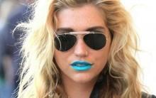 Nova Tendência de Make Com Batom Azul – Modelos, Comprar Online