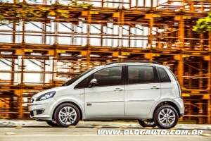 Fiat-Idea-Sublime-2014