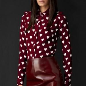 camisa-feminina-estampa-de-coracao-tendencia