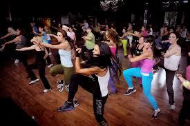 zumba-fitness-o-que-e-2014-como-fazer-e-playlist-1