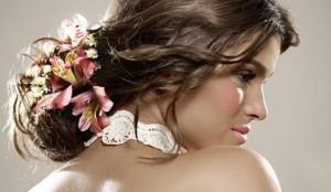 penteado-para-noivas-com-flores
