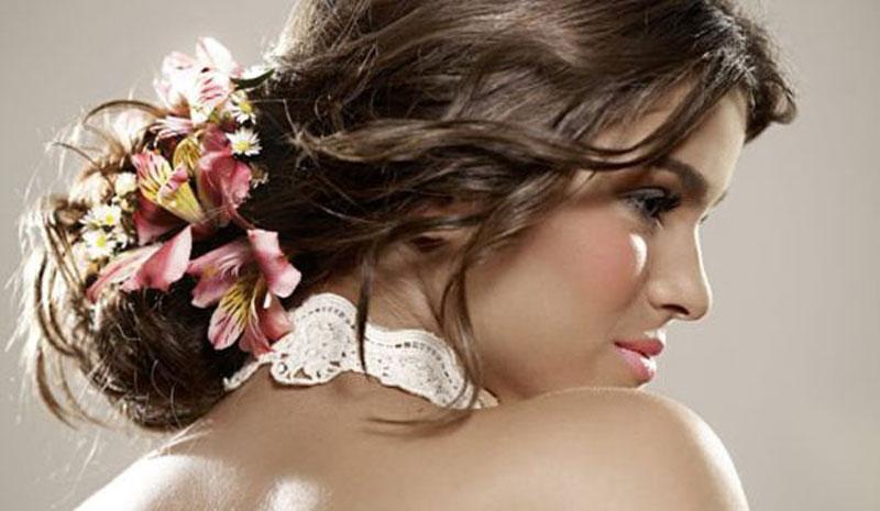Penteados Para Noivas com Flores Tendências 2015 – Ver Modelos