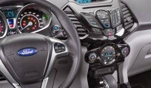 Ford_Ecosport_2015-Interior