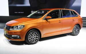 Volkswagen-Gran-Santana (1)