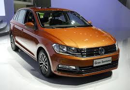 frente Carro Gran Santana Volkswagen 2015