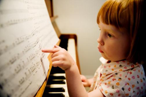 menina_instrumento1