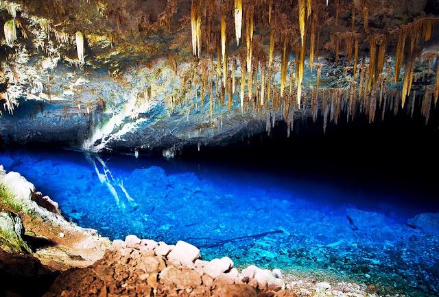 Gruta-da-Lagoa-Azul