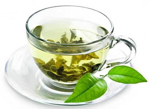 Benefícios do Chá de Melissa Ajuda na Insônia